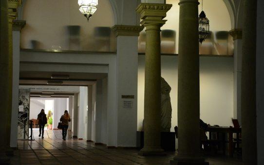 1440px-columnas