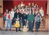 Alumnos de la Cátedra y guitarristas al finalizar el concierto