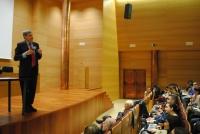 El profesor José Luis García Delgado, durante la conferencia.