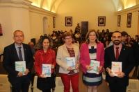 Autoridades en la presentación del libro