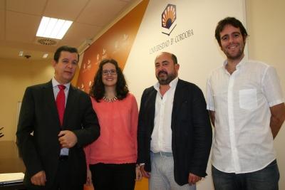 Los vicerrectores y dos de los investigadores participantes