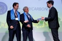 El profesor de la UCO Jesús A. Gil Ribes y el director de la AEAC-SV reciben del director general de Clima de la CE el premio Best of the Best en la modalidad de Acción contra el Clima.