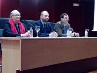 Miguel Valcárcel acompañado por Enrique Quesada y Alberto Marinas en la charla inaugural del III Congreso de Investigadores Noveles