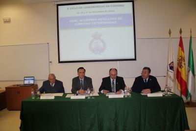 El Rectorado acoge el II Ciclo de conferencias de la Real Academia Sevilllana de Ciencias Veterinarias