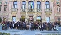 Autoridades académicas y personal del de la Universidad de Córdoba en la concentración celebrada en el Rectorado.