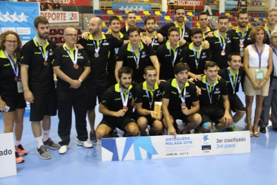 Equipo español tras obtener la medalla de bronce del campeonato.