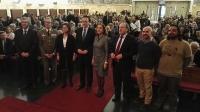 El rector  y el presidente del Consejo Social con los premiados.