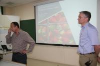 Emilio Camacho y Jerry Knox durante el seminario