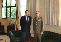 De izquierda a derecha, José Carlos Gómez Villamandos y el general Lázaro