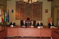 Autoridades durante la celebración del acto