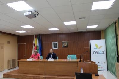 De izquierda a derecha, Jesús V. Jorrín y Enrique Quesada en la inauguración del workshop