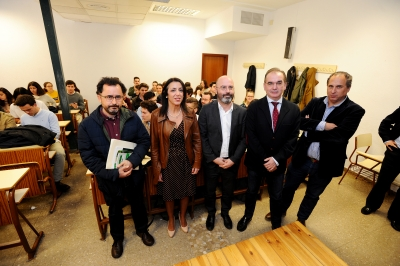 De izquierda a derecha, Ángel B. Gómez Puerto, Marta Bosquet, Luis Medina, Luis Miranda y Miguel Agudo, antes impartir la conferencia.