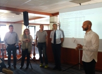 El panel de expertos de Diverfarming junto con el coordinador general.