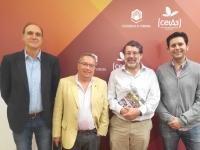 El presidente de la Red Campus Sustentable de Chile (segundo por la derecha), junto con representantes del SEPA y del Aula de Sostenibilidad.