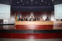Mesa del Claustro al inicio de la sesión extraordinaria para la aprobación de los nuevos Estatutos celebrada el 19 de diciembre de 2016