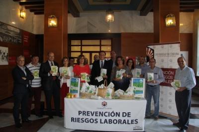 Autoridades celebrando el Día de las Universidades Saludables en la pasada edición