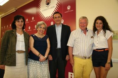 De izquierda a derecha, Gloria Priego de Montiano, Mª José Porro, José Carlos Gómez Villamandos, José Cosano y Luisa López Nogales