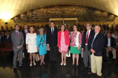 El  Rector ( en el centro)  y autoridades académicas momentos antes del acto de clausura