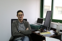 El investigador del Dpto de Física Aplicada Gonzalo Martínez