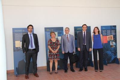 Autoridades en la inauguración de la exposición