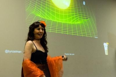 Natalia Ruiz Zelmanovitch durante su espectáculo