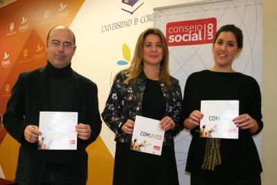 De izquierda a derecha, Luis Medina, Julia Romero y la presidenta del CEU, Alejandra López de Sagredo