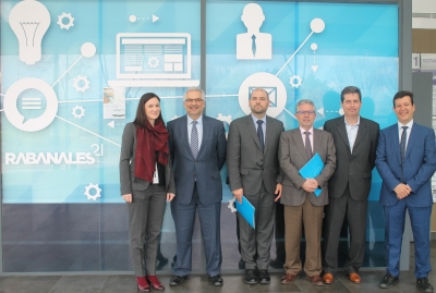 Enrique Quesada, Manuel Pineda y Justo Castaño junto a los ponentes
