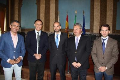 De izquierda a derecha, Emiliano Pozuelo, J. Carlos Gómez Villamandos, Juan Manuel Roa, Esteban Morales y Fernando Priego.