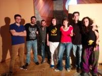 Integrantes del Aula de Rock con la ganadora.