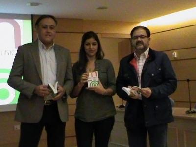 Rafael Gómez Villamandos (Director Hospital Clínico), Pilar Muñoz (Coordinadora de la obra) y Librado Carrasco (Decano Facultad Veterinaria)