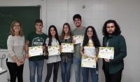 """Ganadores del Concurso de Cata Ciega """"Nariz de Oro"""" formados por alumnos de CYTA y Química, con la Profesora Lourdes Moyano"""