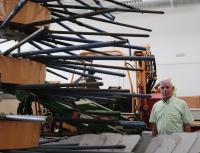 Una nueva cosechadora abarata el coste de la recogida de la aceituna en el olivar tradicional