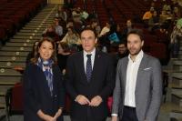 De izqda. a dcha., Rosario Moyano, José Carlos Gómez Villamandos y Manuel Hidalgo