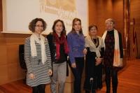 De izquierda a derecha, María Martínez-Atienza, María Rosal, Rosario Mérida, Cecilia Bartolomé y Consuelo Borreguero, minutos antes de la proyección de la película
