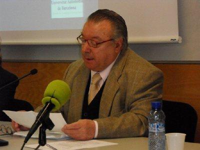 El profesor Carlos Clementson obtiene el premio de traducción Giovanni Pontiero