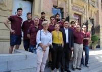 Foto de familia de autoridades y participantes en el europeo universitario de Balonmano