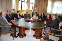 Un momento de la reunión institucional celebrada en el Rectorado