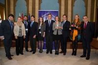 Los finalistas con el rector ( en el centro) y otras autoridades académicas