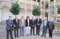 Autoridades en la inauguración de la actividad 'Las voces de la experiencia'
