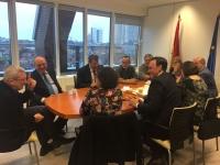 El rector y la vicerrectora de  Investigación,junto con integrantes del Comité Ejecutivo, durante una de las reuniones celebradas en Bruselas.