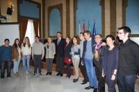 Foto de familia de premiados, autoridades e integrantes del jurado del IV Concurso contra la Violencia de Género