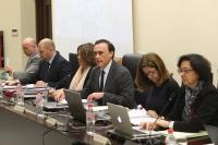 El rector junto a integrantes de su equipo durante la sesión de Consejo de Gobierno celebrada hoy