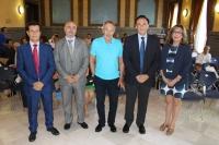 René Drucker, en el centro, junto con autoridades académicas de la Universidad de Córdoba y el Imibic
