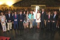 Foto de familia de autoridades asistentes al acto