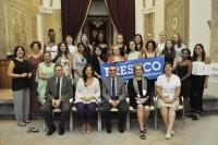 Foto de familia de autoridades y alumnos del programa PRESHCO