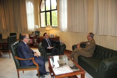 De izquierda a derecha, Antonio Cubero, José Carlos Gómez Villamandos y el coronel Millán