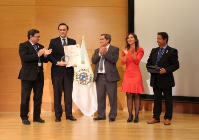 El rector de la UCO, José Carlos Gómez Villamandos, recibe el Premio Nacional 'Averroes'