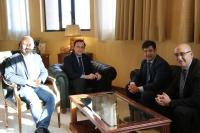 De izquierda a derecha, Luis Medina, José Carlos Gómez Villamandos, Jesús León y Diego Medina durante su encuentro en el Rectorado.