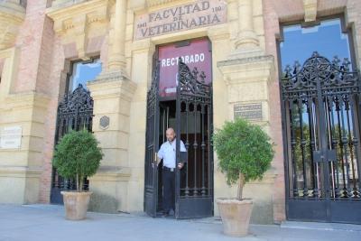 Imagen del cierre del Rectorado.