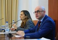 Eva Vázquez y José Albert, durante la conferencia.